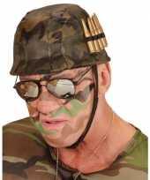 Camouflage helm met nep kogels